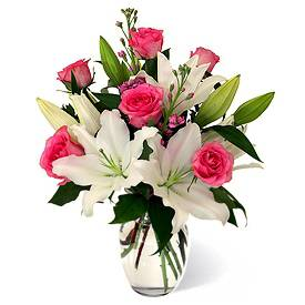 buchet-de-crini-albi-si-trandafiri-roz